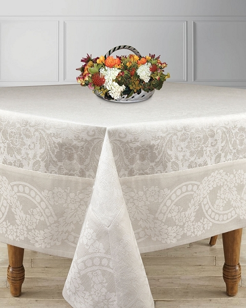 Tablecloths & Napkins