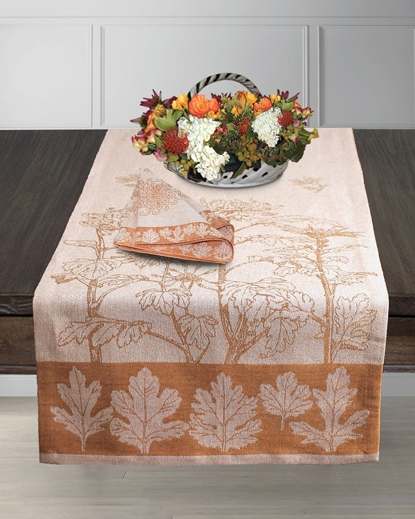 Table Linens in Pearl-golden earth Finezza Gentile Collection